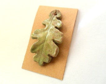 Oak Leaf Pendant Finding in Desert Grass Stoneware