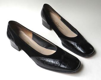 Salvatore Ferragamo vintage Black Suede and Reptile Embossed Leather Wingtip Pumps / Salvatore Ferragamo Boutique / made in Italy