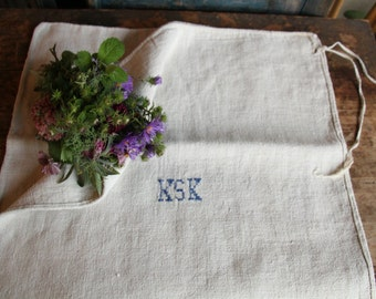 Nr. A230:  antique handloomed PALE NATURAL chunky grain sack for pillows cushions runners 20.08 wide