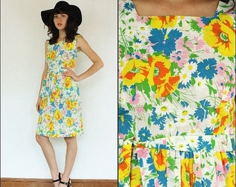ON SALE Vintage 60's Hippie- boho- floral- dolly- summer- flowy- colorful- sleeveless- day dress S/M