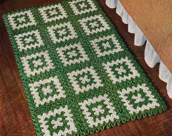 Vintage PDF Crochet Pattern - The green and white rug - instant download