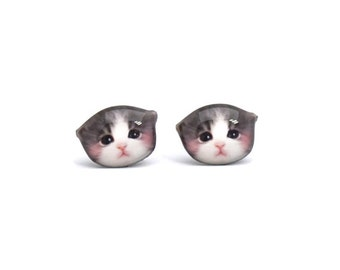 Newborn Grey and white Kitten Cat Stud Earrings / cat earrings / cat jewelry / tiny earrings / cat accessories / cat lover / A025ER-C45
