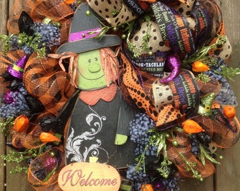 WELCOME WITCH wreath, Halloween wreath, check deco mesh wreath, burlap ribbon- Halloween wreath