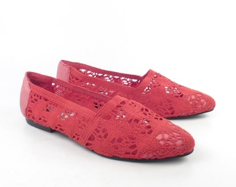 Crochet Flats Shoes Vintage 1980s Fabric Woven Slip on Loafers Women's size 8 1/2