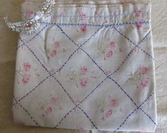 French Vintage Floral Fabric /Vintage Embroidered Pelmet Curtain /Pretty Faded Floral /Country French Living Chic /French Vintage Textile