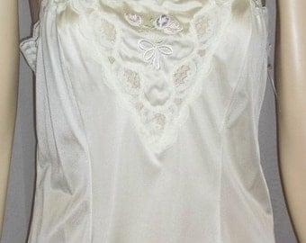 ON SALE Vintage Deadstock Lorraine Ivory Nylon Lace Camisole Cami Medium Embroidered Tulips 36