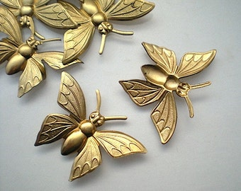 6 large brass butterfly charms No. 7