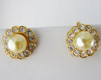 Vintage White pearl and gold flower cocktail earrings with clear crystals (B3)