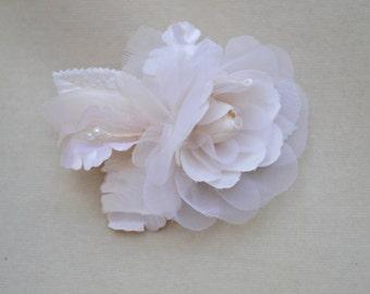 Bridal Flower Hair Clip / Bridal Fascinator / Flower Hair Clip / Flower Girl Hair Clip /  Bridal Hair Clip
