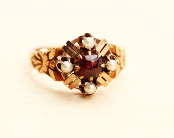 10K Victorian Garnet and Pearl Cluster Ring - Size 7.25