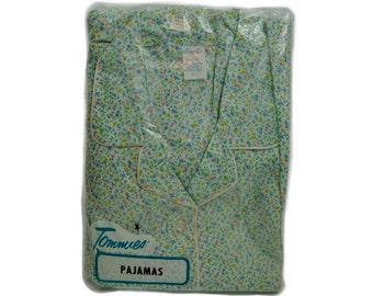 1980s 1990s  New in Package Tommies  and White Floral Print Ladies Vintage NIP Flannel Pajama PJ Set