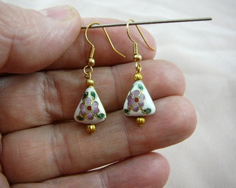 White with pink white flower 8 x 15 mm one Triangle disk Cloisonne bead dangle earring pair EE-608-1