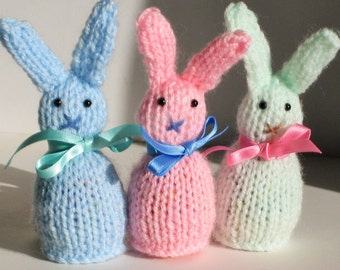 knitted Easter bunnies