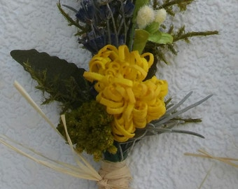 1 Rustic Dried Lavender & Yellow Silk Wedding Flower Boutonniere, Dried Lavender Lapel Pin, Buttonhole, Groom, Groomsman, Organic Look