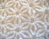 Hofmann White Daisy Plush Vintage Cotton Chenille Bedspread Fabric 18 x 24 Inches
