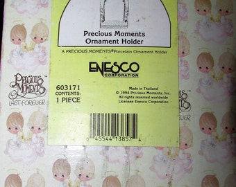 PRECIOUS MOMENTS Ornament Holder Mint In Box Enesco