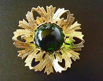 Vintage Green Brooch with Green Glass Rhinestone, Costume Jewelry, Casual Brooch, Dressy Brooch, Green Jewelry,  Vintage Fashion