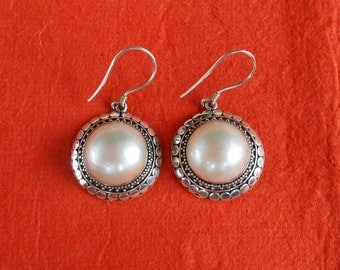 Striking Sterling Silver white Pearl Earrings / 1.50 inch long / Mabe Pearl / Bali handmade jewelry / silver 925
