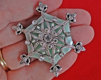 """Vintage silver tone 1.75"""" art deco star brooch with rhinestones and pearlized lucite insert in great condition"""