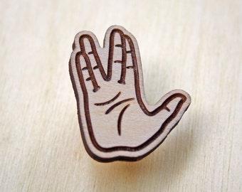 Lapel pin Vulcan salute Spock pin