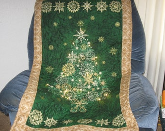 Twinkling Tree Wall Hanging