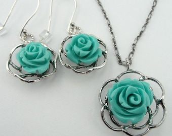 Turquoise 925 Sterling silver set , Turquoise pendant, Flower, dangle earrings, Green stone, vintage jewelry, Free Shipping, Ready to ship