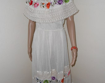 Off-White Cotton Embroidered Mexican Dress w/Shawl Collar - Size M-L