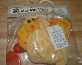 MUFFY Vanderbear Duck Fan Club  outfit