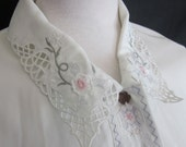 1980s Vintage Lyndella Ivory Embroidered Cutwork Blouse