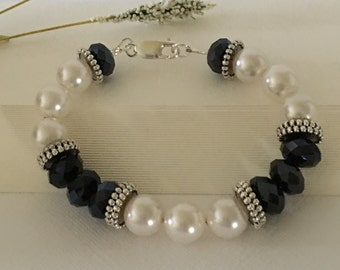 Bracelet-Pearl-Black Crystals-Pewter Spacers-Black White Silver Beaded-Lobster Clasp-Size 7 Wrist-Wedding Jewelry-Mother's Day Gift-For Her