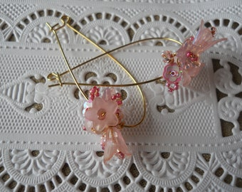 Pink flower handmade earrings, elongated gold plated ear wires, pink quartz beads, glass/resin flower beads, seed beads, feminine, delicate