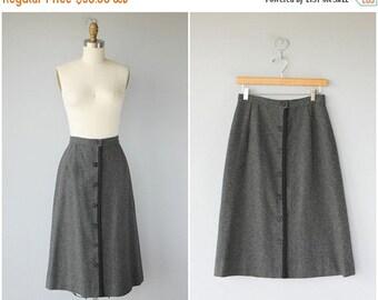 25% OFF SALE... Vintage 1970s Skirt | 70s Skirt | Vintage Wool Midi Skirt | Gray Wool Skirt