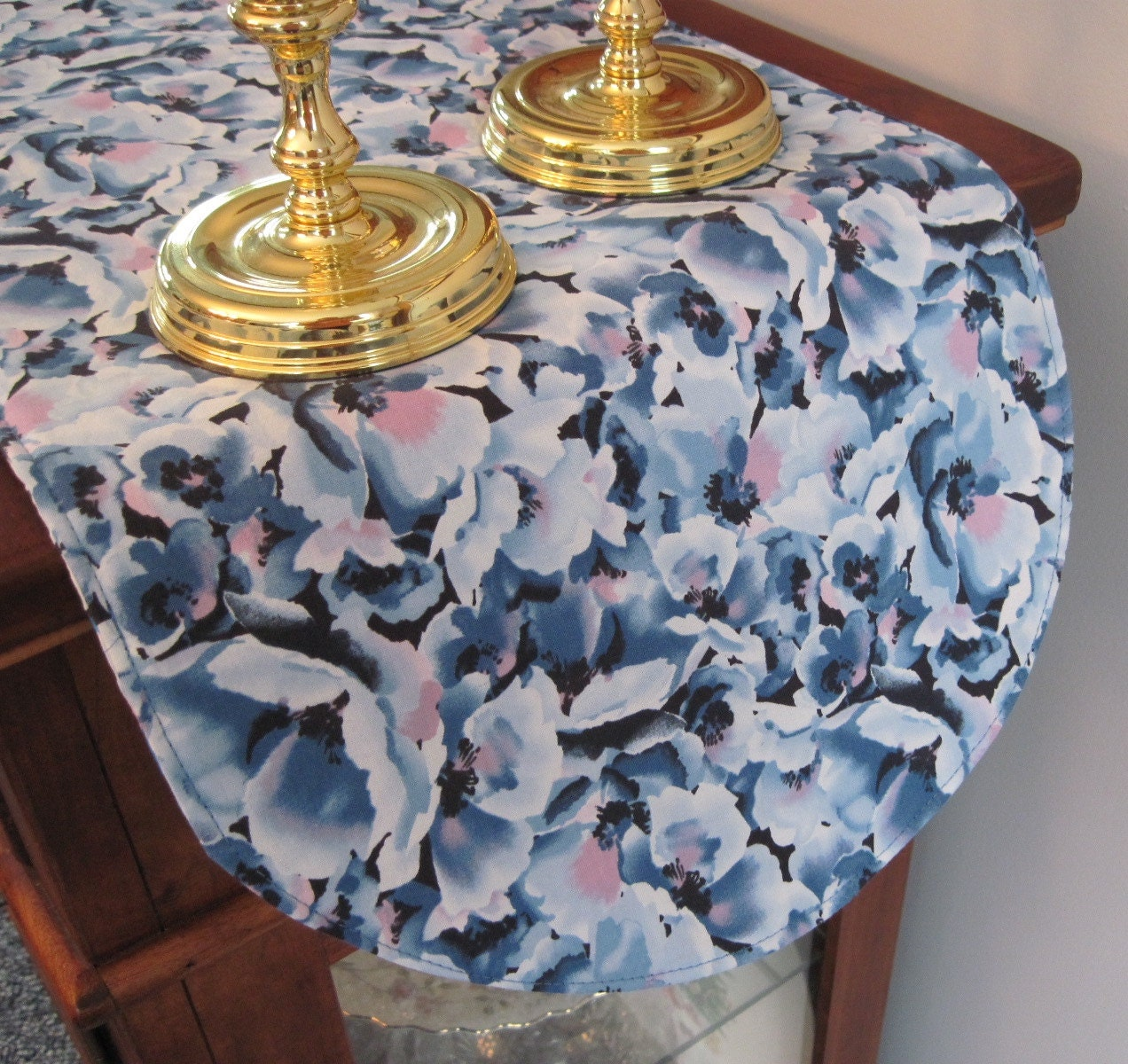 blue floral table runner 36 inch reversible by tracystreasuresri. Black Bedroom Furniture Sets. Home Design Ideas