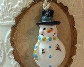 Snowman Tree Slice Christmas Ornament / Wood Tree Slice / Package Wrap Tag / Woodland Rustic Christmas Decoration  / Ready to Ship (ref-ts)