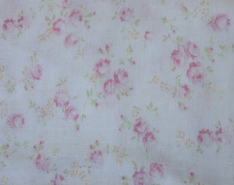 Yuwa Double Guaze Live Life Cotton Fabric 912437A Pale Pink Roses on Light Cream