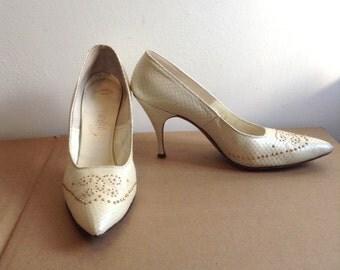 Vintage HOT, 1960's Pinup spike heels.  Stilettos, Rockabilly, Bombshell, Pumps, Caprini high heel shoes,  Gold studded Snakeskin.  Size 9 S