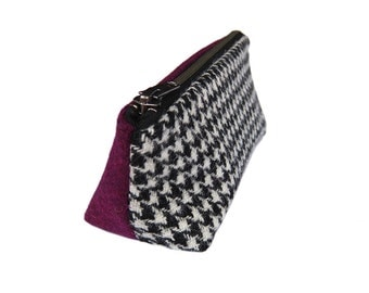Harris Tweed make-up bag in houndstooth & mulberry pink with water-resistant lining