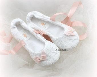 White Ballet Flats, Lace Flats, Pink, Blush, Bow Flats, Wedding Flats, Ballet Slippers, Wedding Reception,Bridal Flats,Elegant,Vintage Style