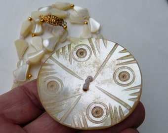 Vintage Gilgit TANY Mother of Pearl Button and antique Art Deco Mother of Pearl beads