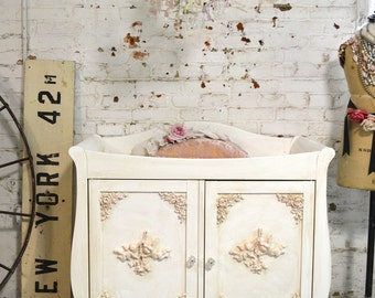 Painted Cottage Chic Shabby Romantic French Changing Table Station Dresser DR837