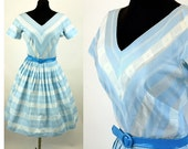 1950s dress day fit flare dress blue white cotton full skirt cinched waist pleated Size M