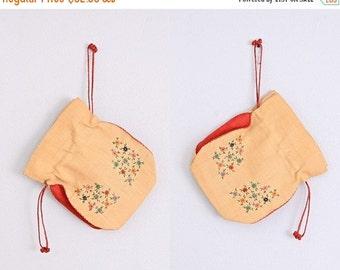 50% OFF SALE vintage straw purse • embroidered floral • vintage drawstring bag