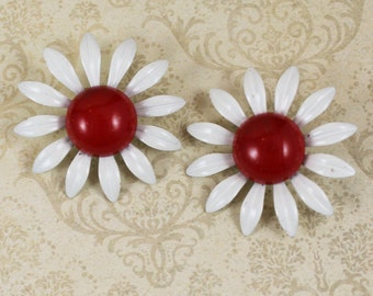 Vintage 1960s Large Red and White Enamel Flower Clip On Earrings