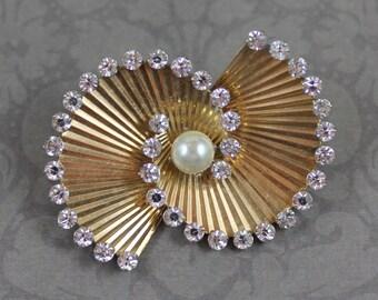 Vintage Retro 1940s Golden Rhinestone Pearl Swirl Krementz Brooch