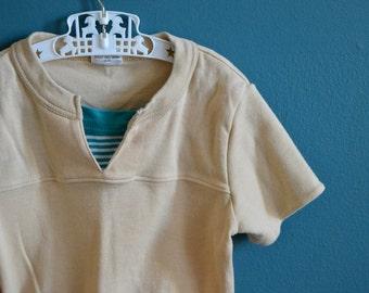 Vintage Boy's 1980s Beige V-neck Shirt - Size 3T 4T