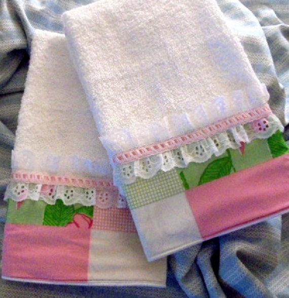 LILLY PULITZER Fabric Collage Custom Decorated Hand Towels
