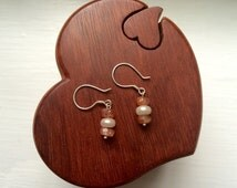 Faceted sunstone and pearl earrings