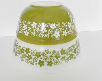 Pyrex Spring Blossom or Crazy Daisy Bowls. Set of 2 White and Green with Flower Pattern.