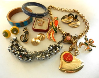 Christmas SALE  Bright Jewels collection '60/ '70 --Lovely Vtg costume jewellery Lot, ready to be worn -mix 11 pieces - Art.641/2--