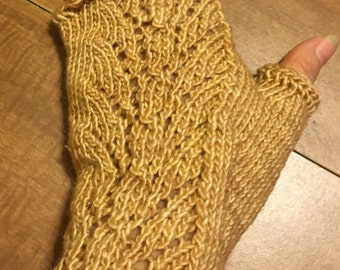 Tan Lacy Fingerless Mitts / Texting Gloves     wool/silk blend